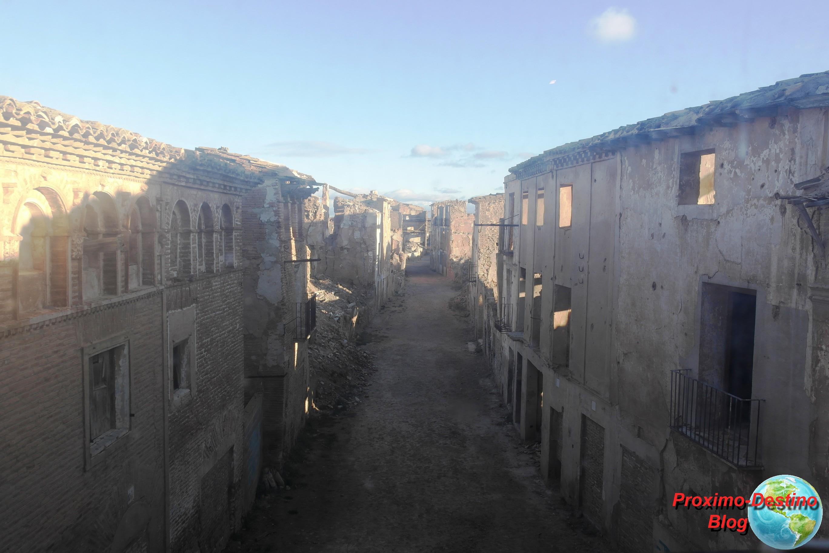 Pueblo antiguo de Belchite y la barbarie de la Guerra Civil Española ...