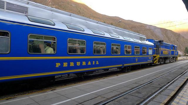 Tren de la compañía Peru Rail que realiza el trayecto a Aguascalientes