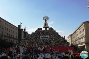 Ofrenda a la Virgen del Pilar