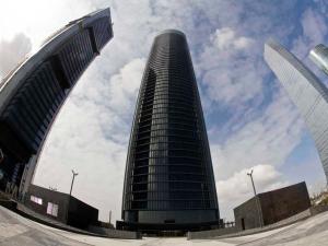 Vista del edificio del Eurostars Madrid Tower y de parte de las 4 Torres Bussines Área donde se sitúa. Fotografía sacada de la web del hotel
